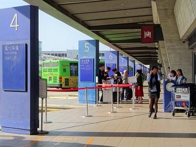 桃園空港のバスターミナル