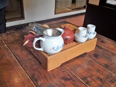 台中の無為草堂でお茶