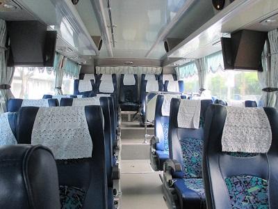 野柳行きのバス車内