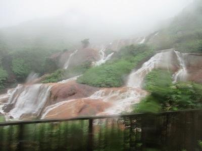 台湾好行856からの黄金瀑布