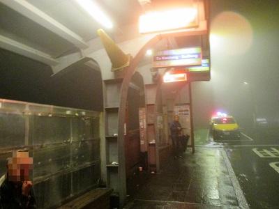 九份老街バス停のタクシー客引き