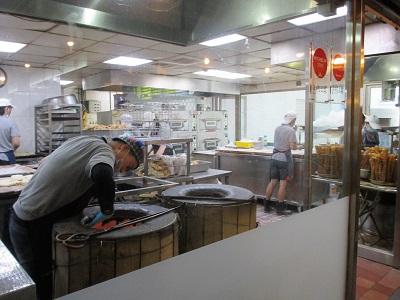 阜杭豆漿(フーハン・ドゥジャン)のキッチン1