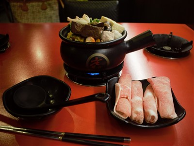 老先覺麻辣窯燒鍋台北農安店の一人用鍋