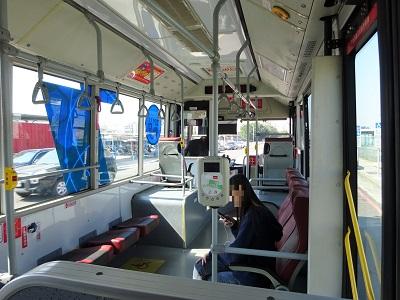 新烏日駅から彩虹眷村へのバス車内