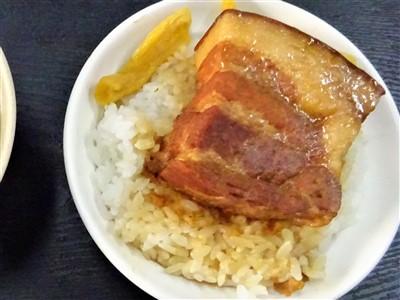 山河魯肉飯の魯肉飯