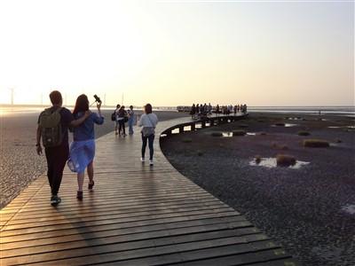 高美湿地の遊歩道の開放時間